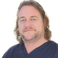 Chief Surgeon and Medical Director at Smile Store. Oral Surgeon Specialist; Master of Implantology.