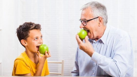 Improve Your Life In 2017: Eat Fresh Healthy Foods Without Worrying About Your Dentures